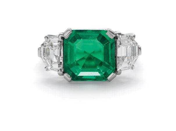 A Fine Art Deco Colombian Emerald and Diamond Ring