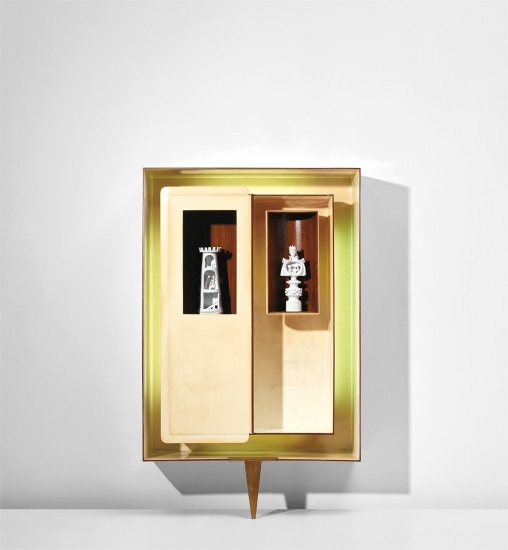 Illuminated 'Positivo-negativo' wall-mounted cabinet with tower and queen statuettes