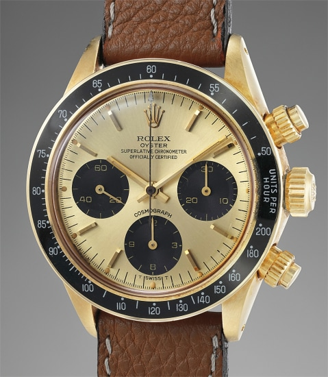 """A rare and extremely well-preserved yellow gold chronograph wristwatch with aubergine """"tropical"""" registers"""