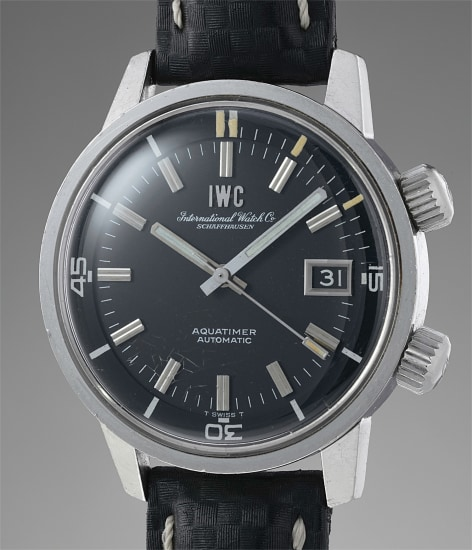 A highly attractive and well-preserved stainless steel diver's wristwatch with center seconds, date aperture, and box