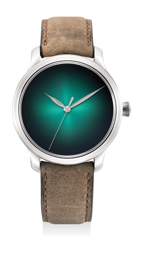 An extremely fine and rare limited edition white gold wristwatch with cosmic green fumé dial, 7-Day power reserve, center seconds, international guarantee and presentation box, limited to 20 pieces