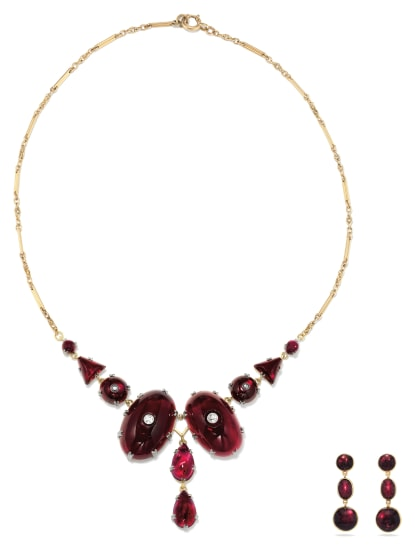 A Victorian Garnet, Diamond and Gold Necklace and Pair of Earrings
