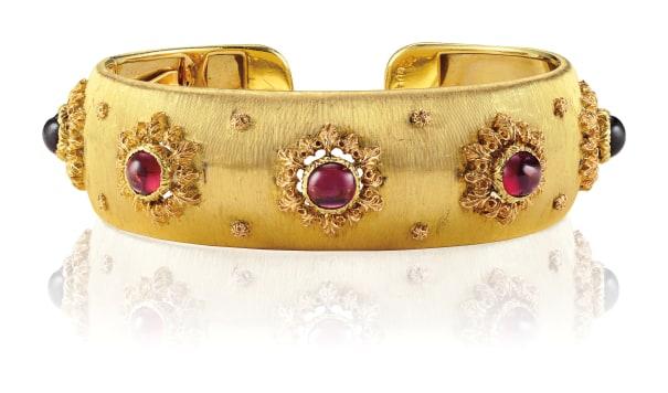 A Tourmaline and Gold Bracelet