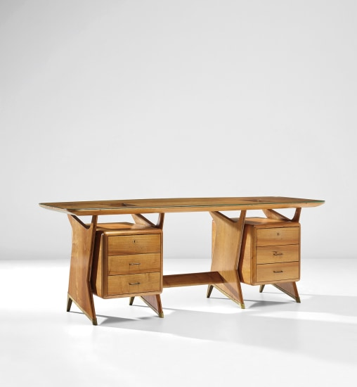 Important executive desk
