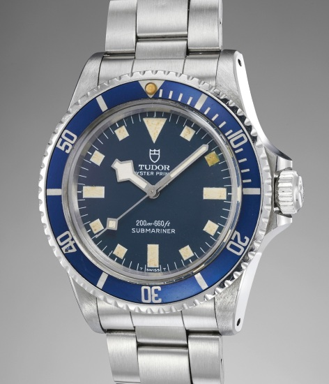 A fine and attractive stainless steel diver's wristwatch with center seconds, snowflake hands, blue dial and bezel, bracelet, Guarantee and box