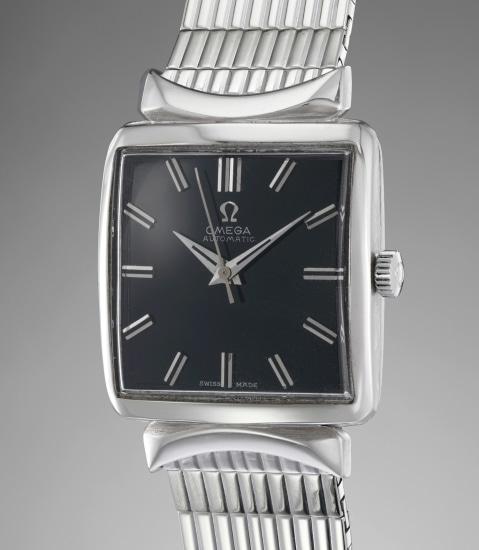An extremely rare, elegant and attractive white gold automatic bracelet watch with center seconds and black gloss dial