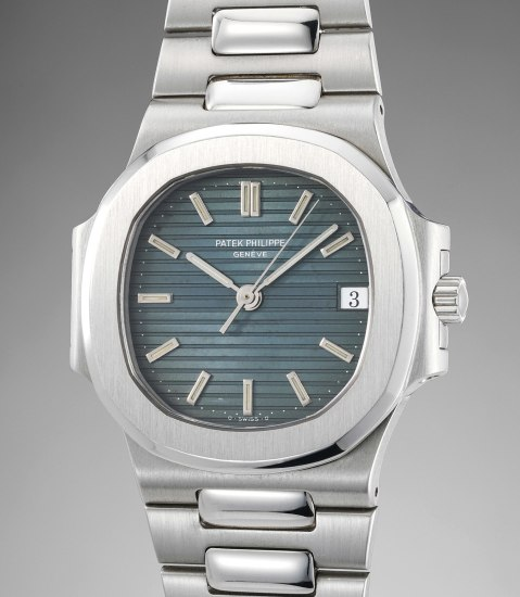 An exceedingly rare platinum wristwatch with sweep centre seconds, date, bracelet and certificate