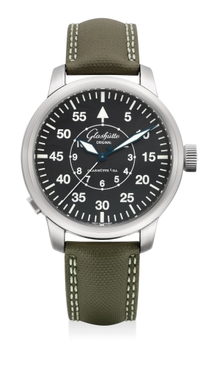 A fine stainless steel pilot's wristwatch with flyback seconds, guarantee and presentation box