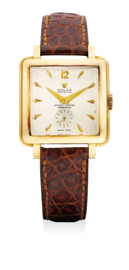 A fine and rare yellow gold square-shaped wristwatch with small center seconds