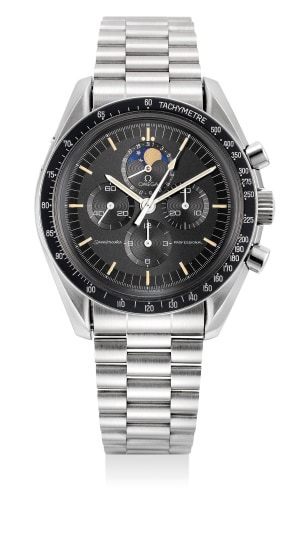 A fine and well preserved stainless steel chronograph wristwatch with date, moon phases, bracelet, guarantee and presentation box