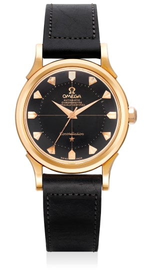 A fine and attractive pink gold wristwatch with sweep center seconds and black lacquer dial