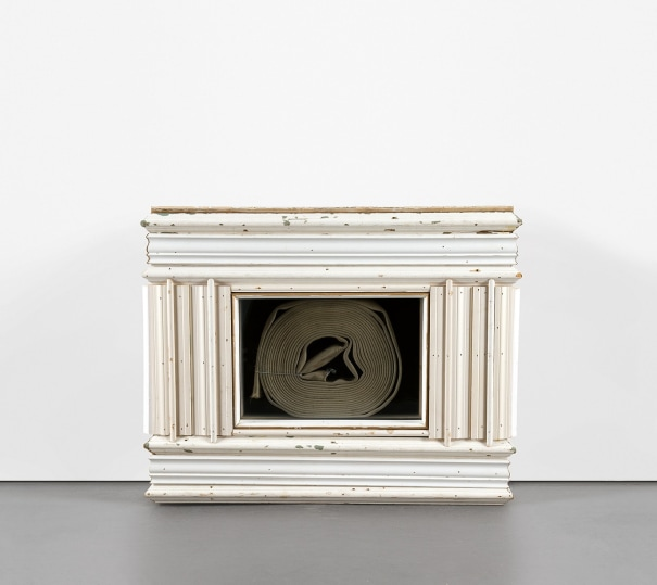 Mantle with Hose