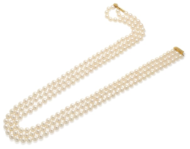 A Cultured Pearl and Gold Necklace