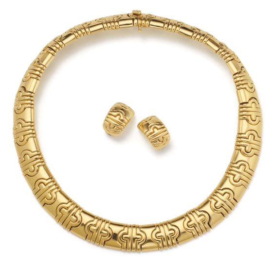 A Gold 'Parentesi' Necklace and Pair of Earrings