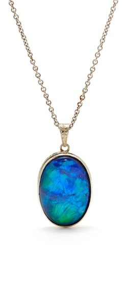 An Opal and Gold Necklace