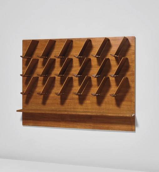 Wall-mounted magazine rack