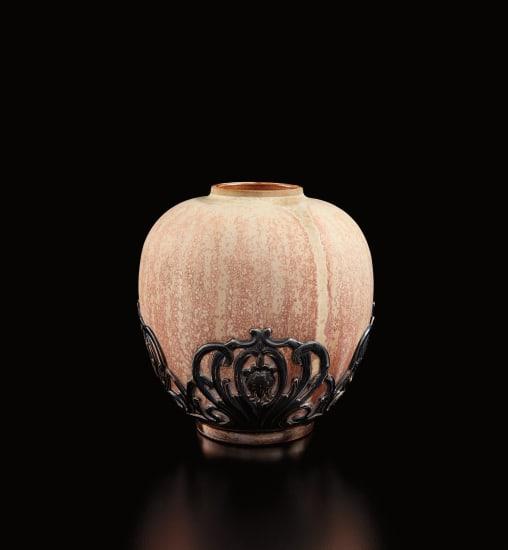 Vase with decorative mount
