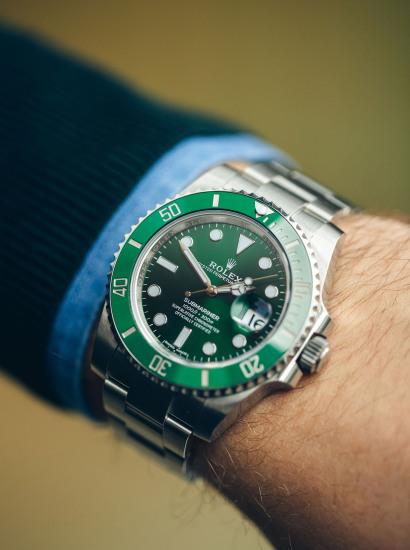 "Rolex 116610LV ""Hulk"", Box and full accessories"