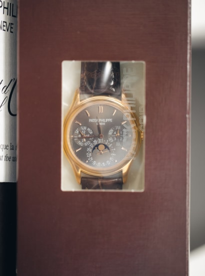 Ref 3940R-027 London Edition with full accessories.