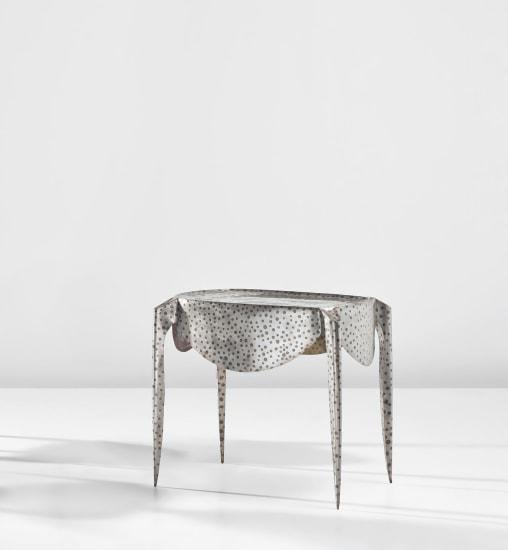 'Paris' table