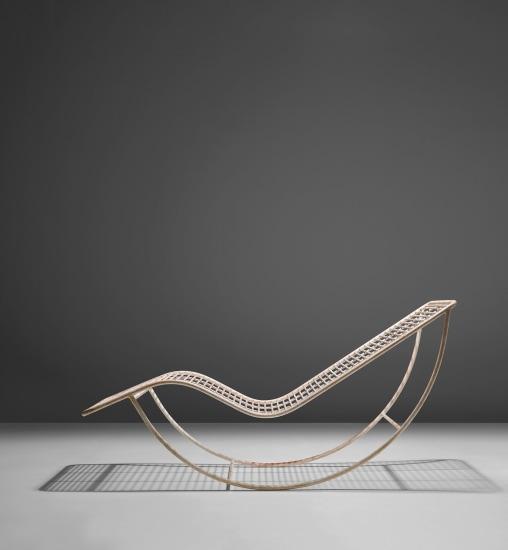 Rocking chaise longue
