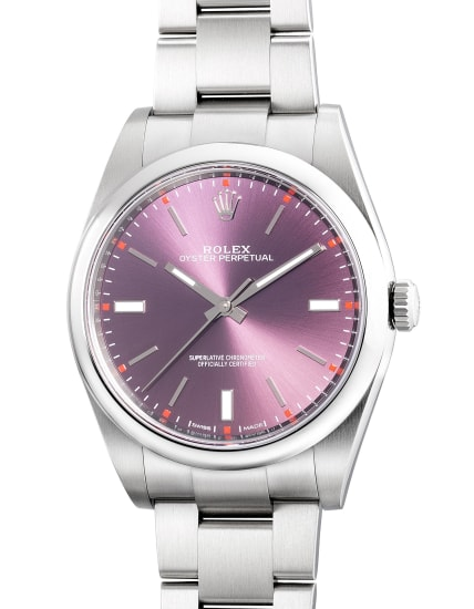 A fine and attractive stainless steel wristwatch with center seconds, bracelet, guarantee and box