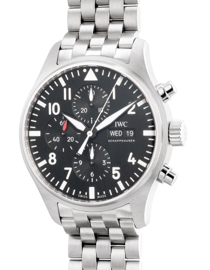 An attractive and well-preserved stainless steel pilot's chronograph wristwatch with day, date, bracelet, warranty and box