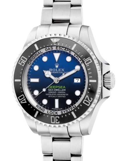 A fine and attractive stainless steel diver's wristwatch with center seconds, date, gas escape valve, ring lock system, bracelet, guarantee and box