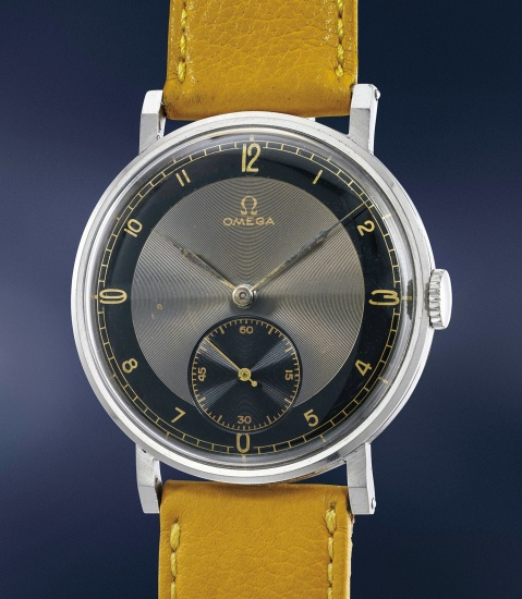 A large and very attractive stainless steel wristwatch with two-tone azuré dial