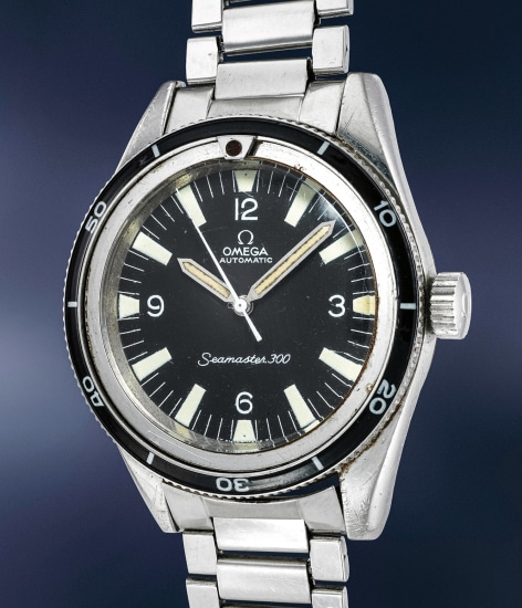 A well preserved stainless steel diver's automatic wristwatch with center seconds, revolving bakelite bezel and bracelet