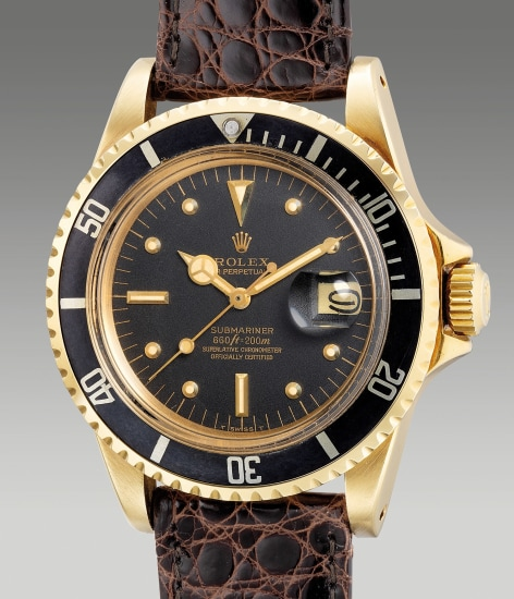 A fine and attractive yellow gold diver's wristwatch with center seconds, date and additional bracelet