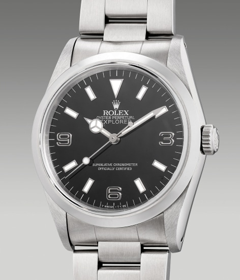 A fine stainless steel wristwatch with center seconds, bracelet, guarantee and box