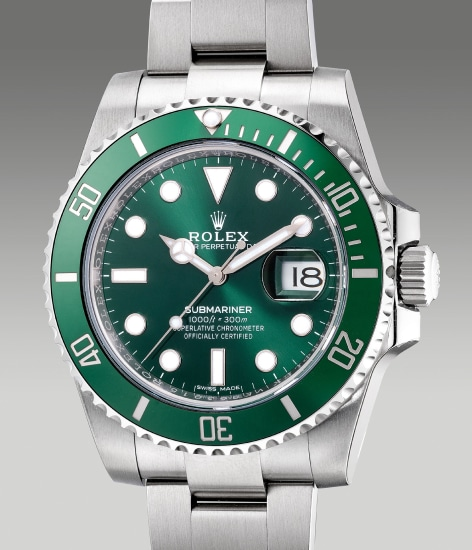 A fine and attractive stainless steel diver's wristwatch with date, center seconds, bracelet, guarantee and box