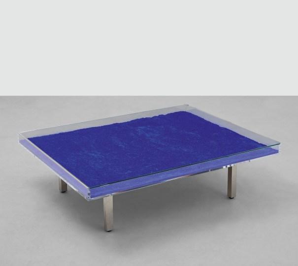 Table Bleue (blue)